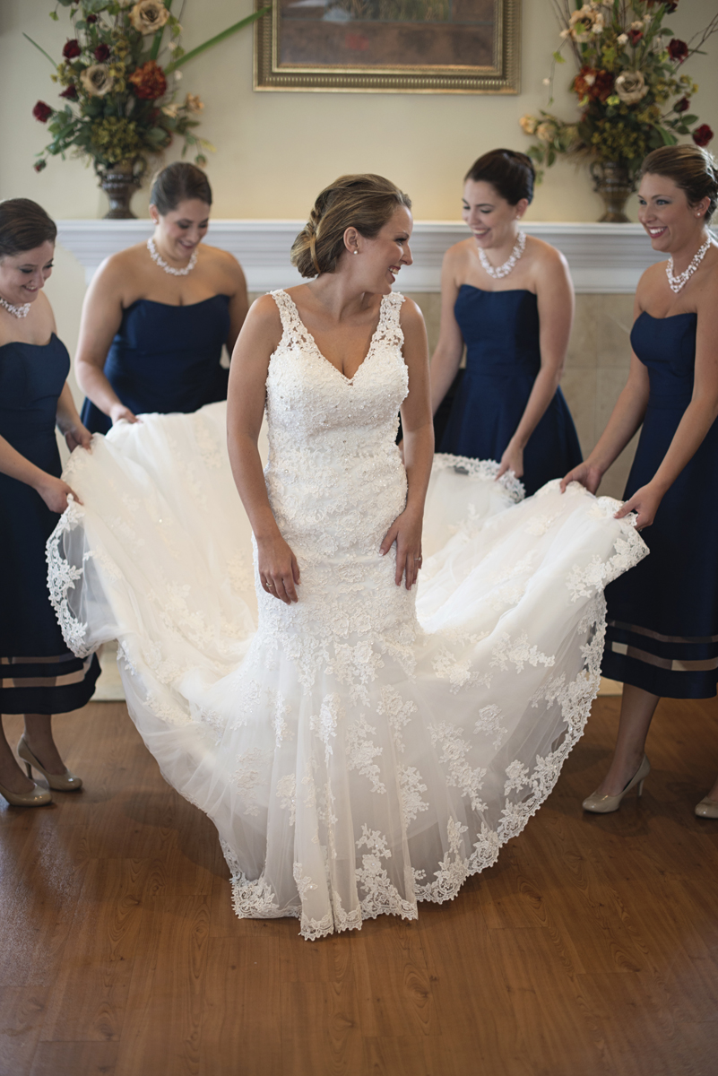 Nautical Navy Virginia Wedding | Navy Blue Wedding Colors | Bridesmaids getting ready