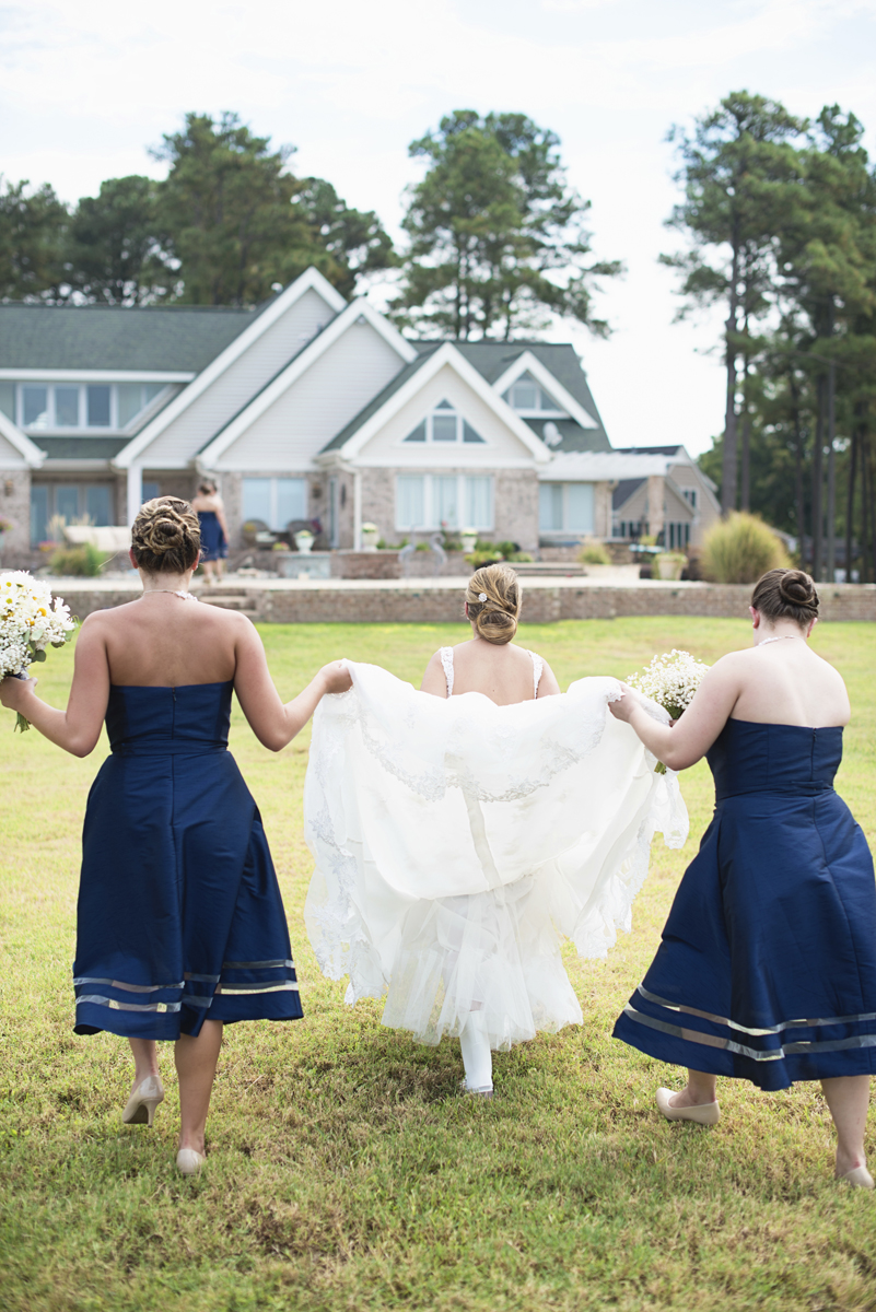 Nautical Navy Virginia Wedding | Navy Blue Wedding Colors | Bride and her ladies
