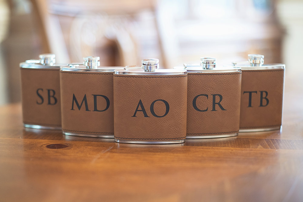 Nautical Navy Virginia Wedding | Navy Blue Wedding Colors | Leather personalized whiskey flasks for groomsmen gifts