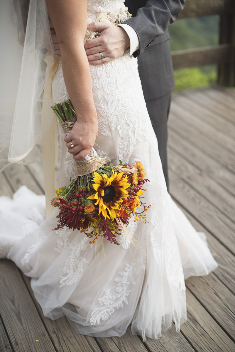 Adventures on the Gorge Destination Wedding | Maroon + Orange Wedding | Sunflower bridal bouquet