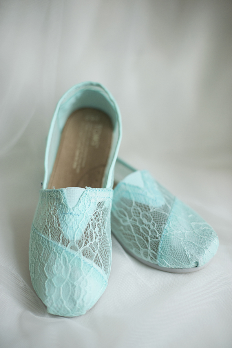 Teal, White, and Gold wedding | Richmond Virginia Wedding | Teal wedding Toms