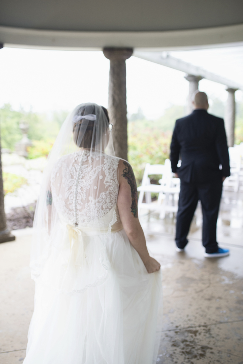 Teal, White, and Gold wedding | Richmond Virginia Wedding | Bride and groom first look