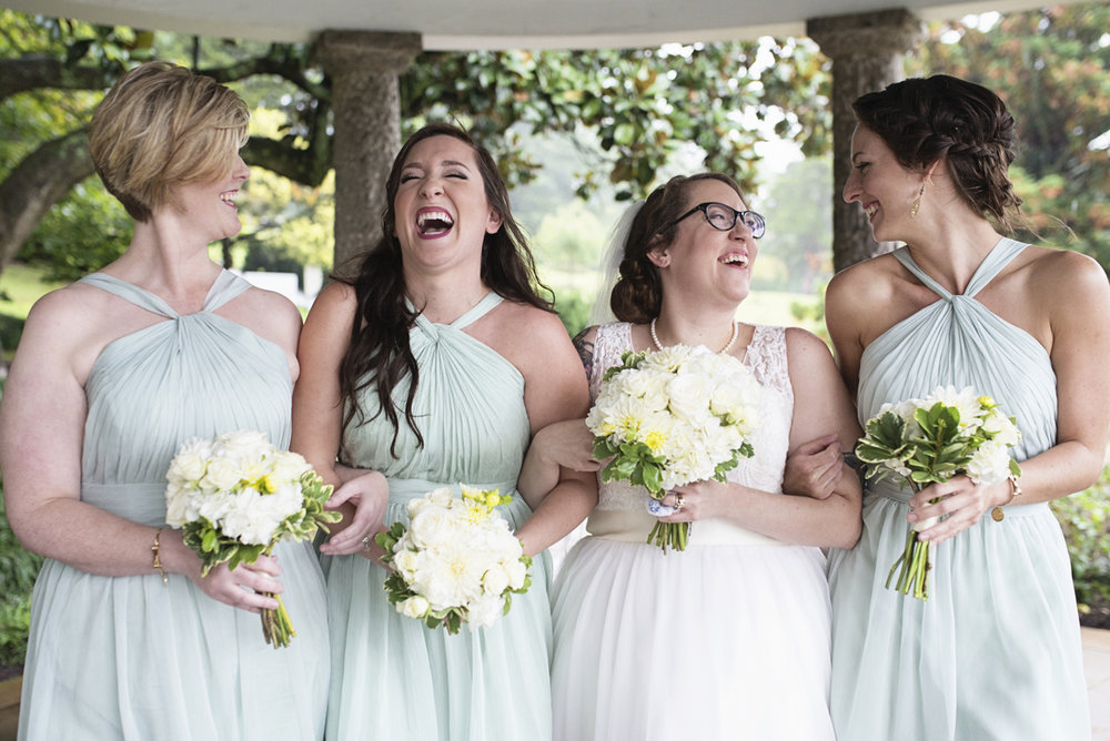 Teal, White, and Gold wedding | Richmond Virginia Wedding | Teal bridesmaid dresses
