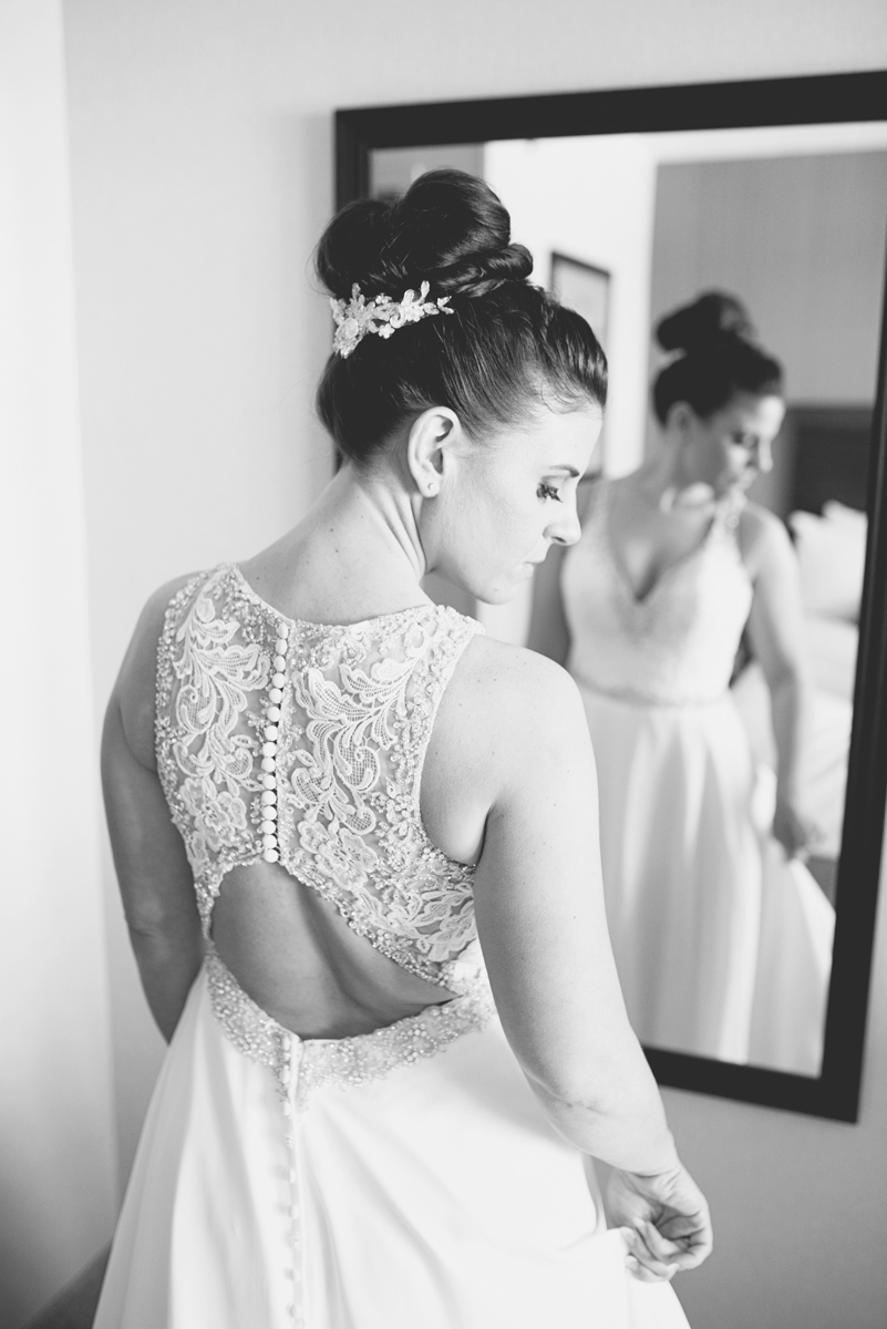 Blue and Silver Waterside Wedding | Virginia Beach Wedding | Bride getting ready