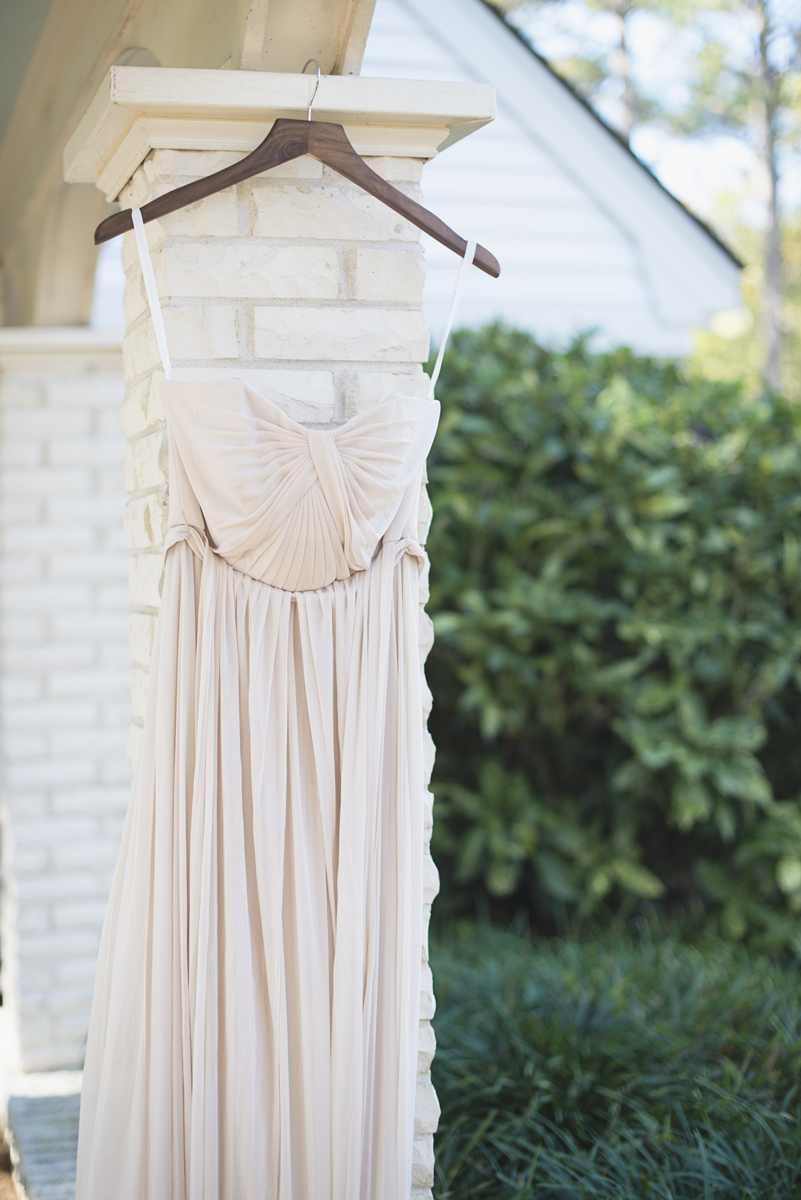 Classic Crimson and Champagne Fall Wedding | Virginia Wedding | Champagne bridesmaid dress