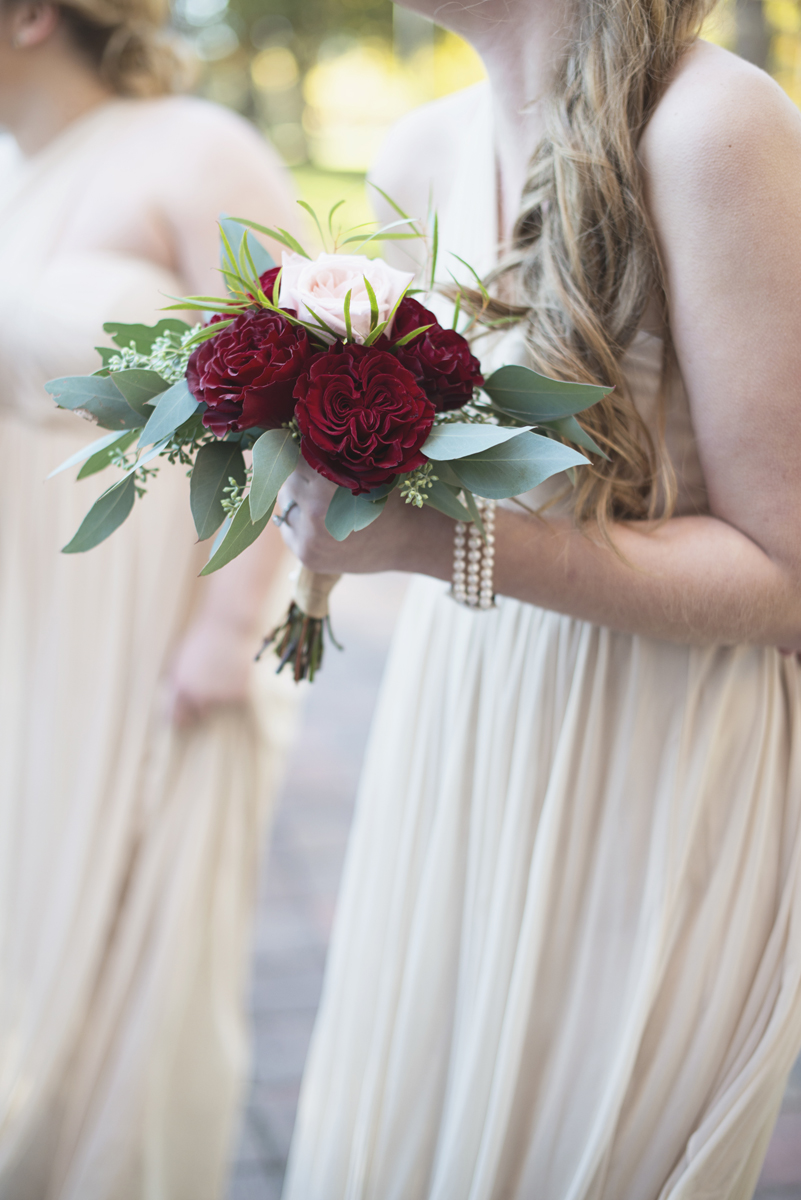 Classic Crimson and Champagne Fall Wedding | Virginia Wedding | Crimson fall bridal bouquet