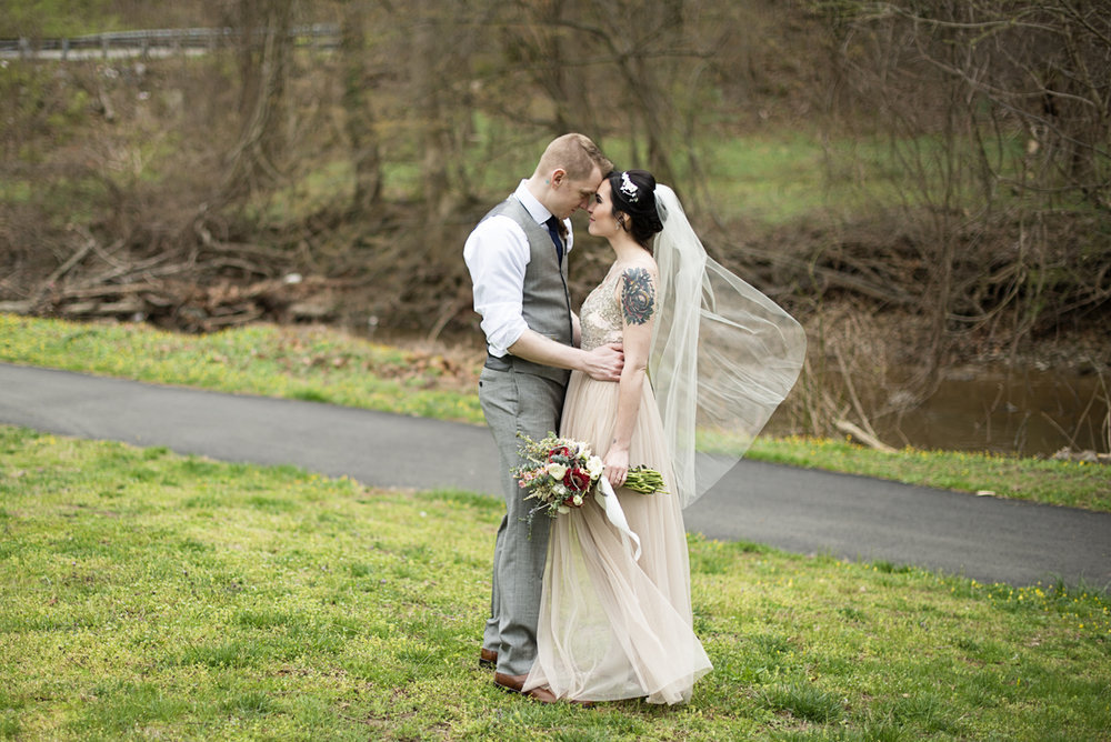 Blush and Gray Spring Wedding | Maryland Wedding | Tattooed boho bride and groom portraits