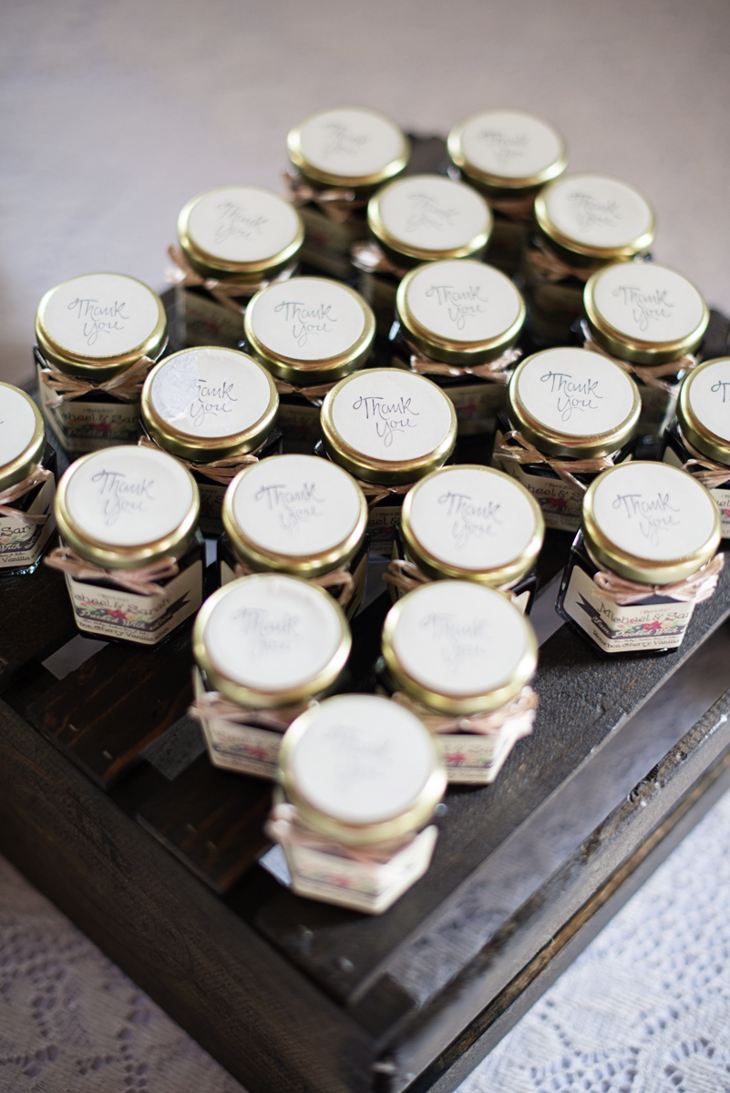 Homemade jams and jellies wedding favor