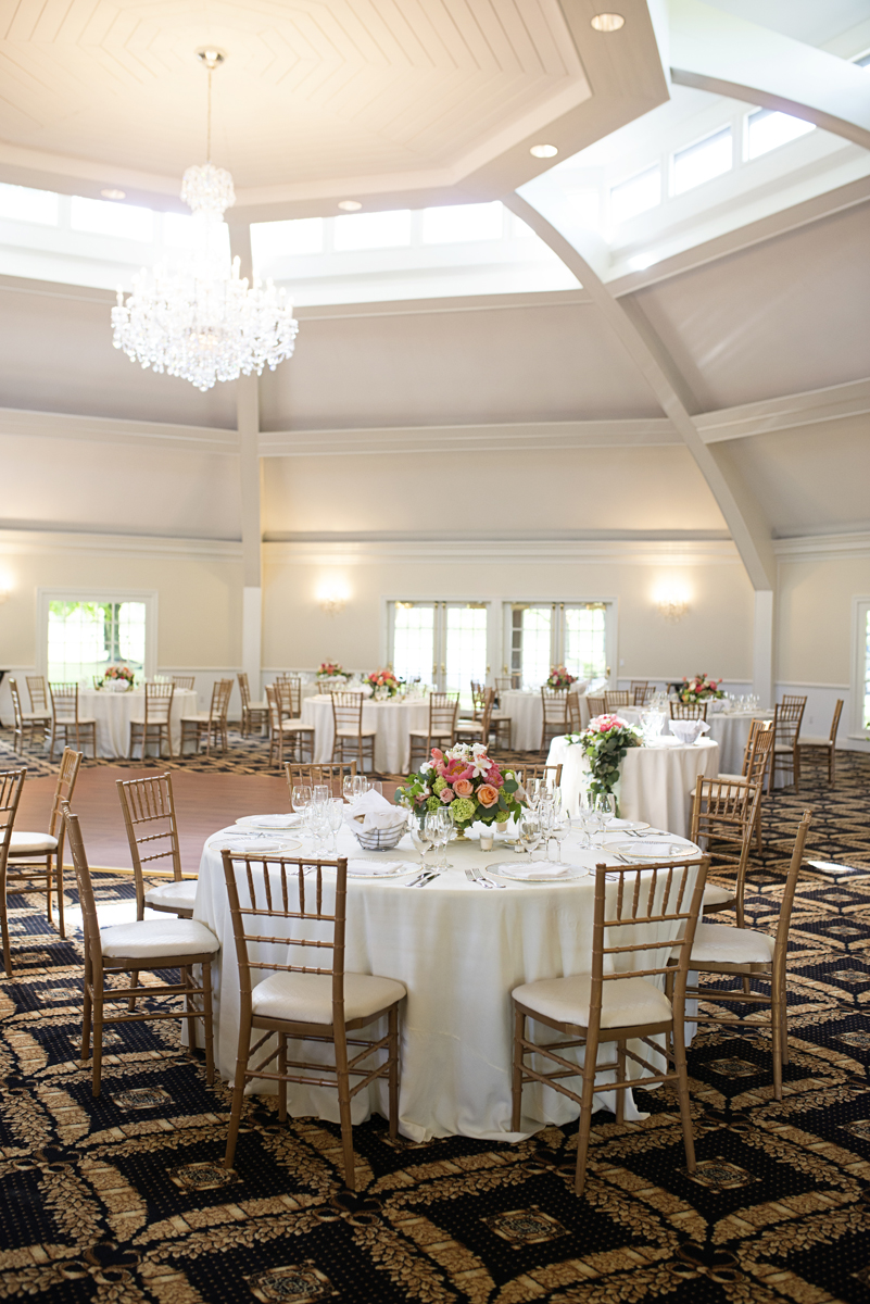 Albemarle Estate at Trump Winery Wedding | Elegant Gold and White Wedding Reception