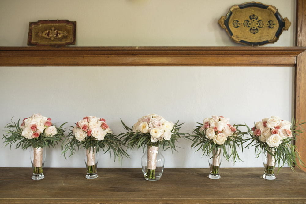 Plantation on Sunnybrook Roanoke Wedding | White and Blush Rose Bridal Bouquets
