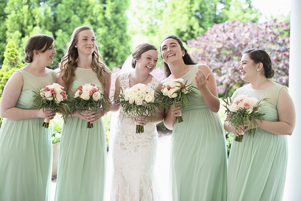 Plantation on Sunnybrook Roanoke Wedding | Green Bridal Party