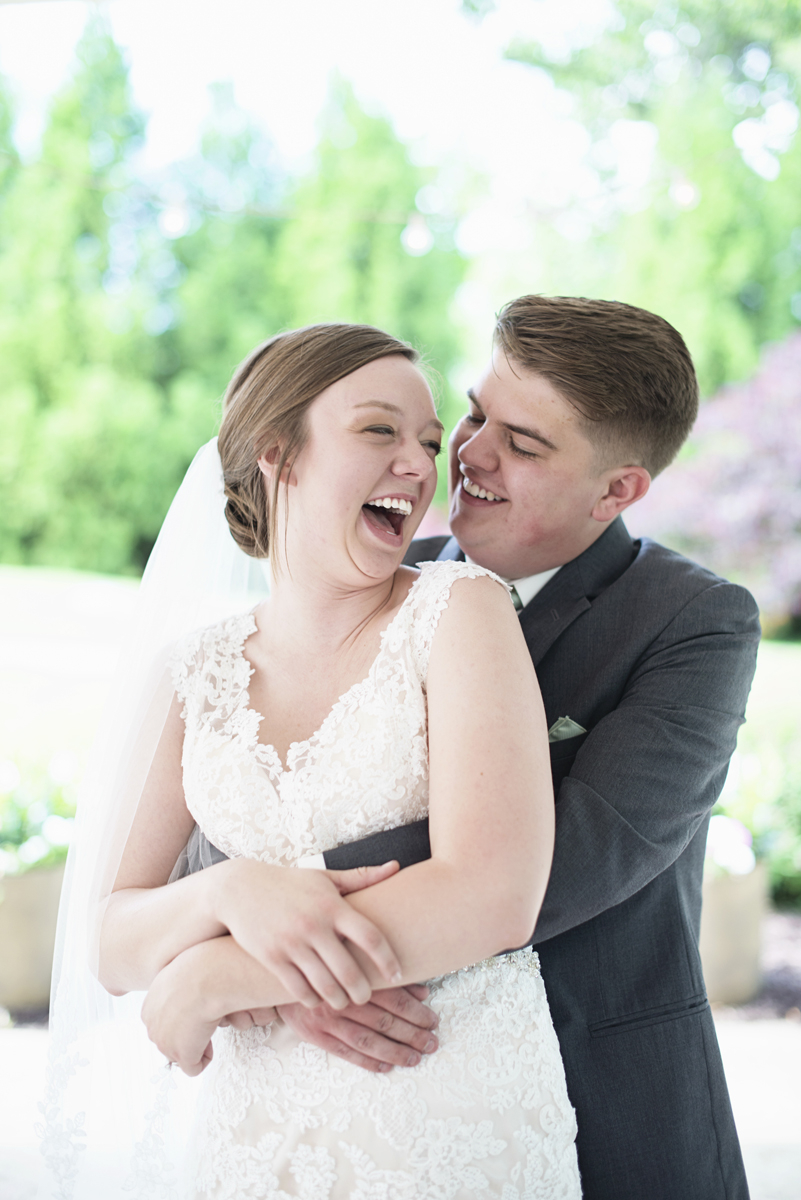 Plantation on Sunnybrook Roanoke Wedding | Bride + Groom First Look Portraits
