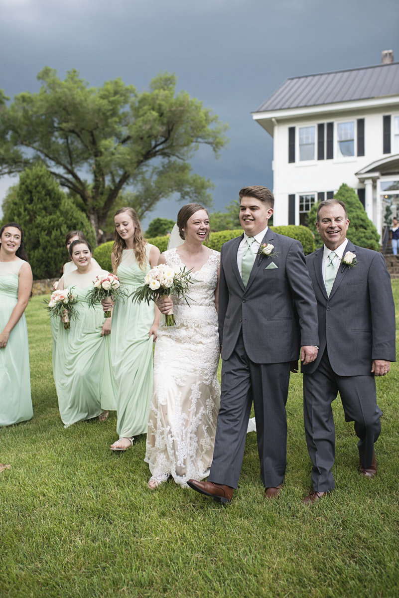 Plantation on Sunnybrook Roanoke Wedding | Green and Gray Bridal Party Portraits