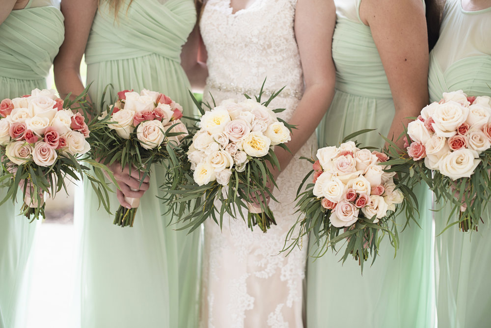 Plantation on Sunnybrook Roanoke Wedding | White and Blush Bridal Bouquets
