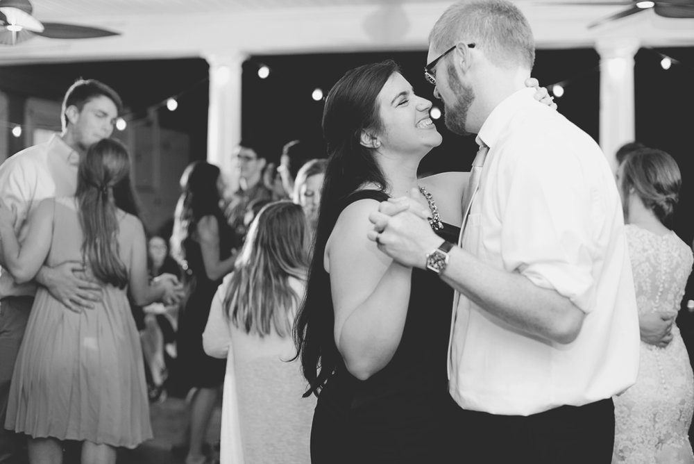 Plantation on Sunnybrook Roanoke Wedding | Wedding Reception Dancing