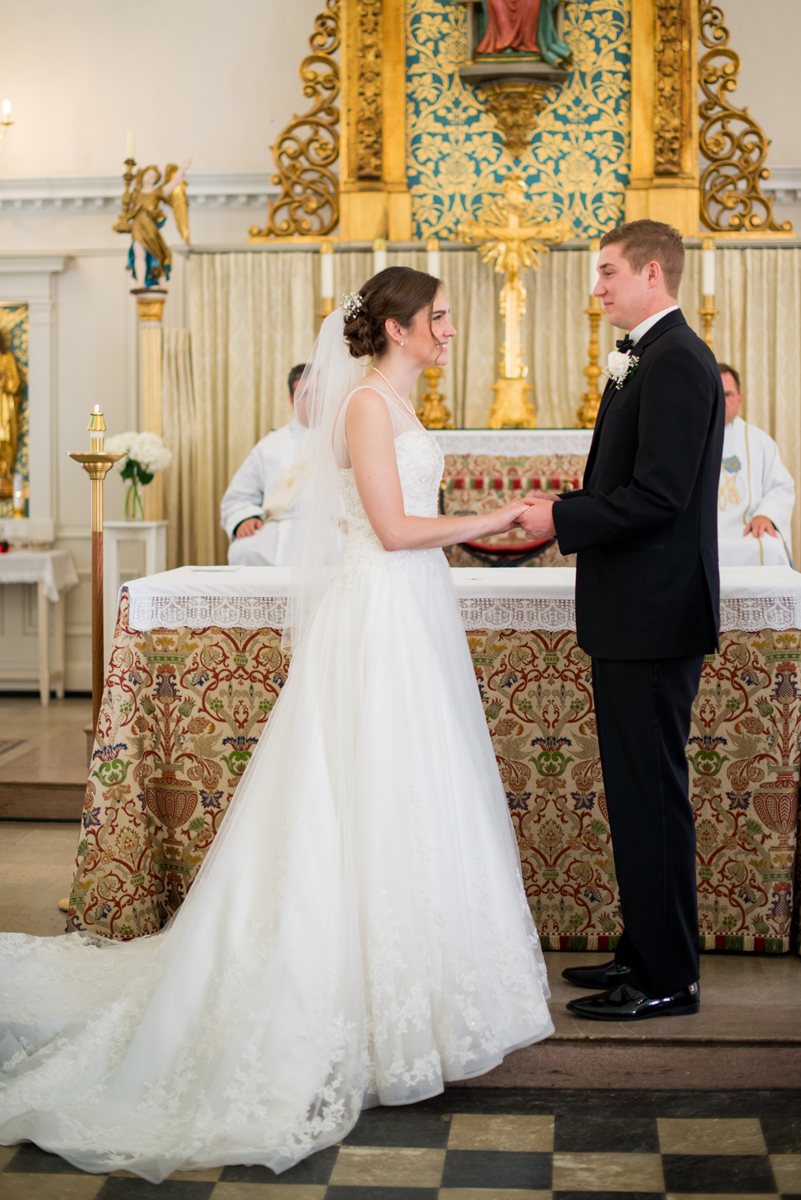 Emerald Green Classic Country Club Wedding | Traditional Catholic Nuptial Mass