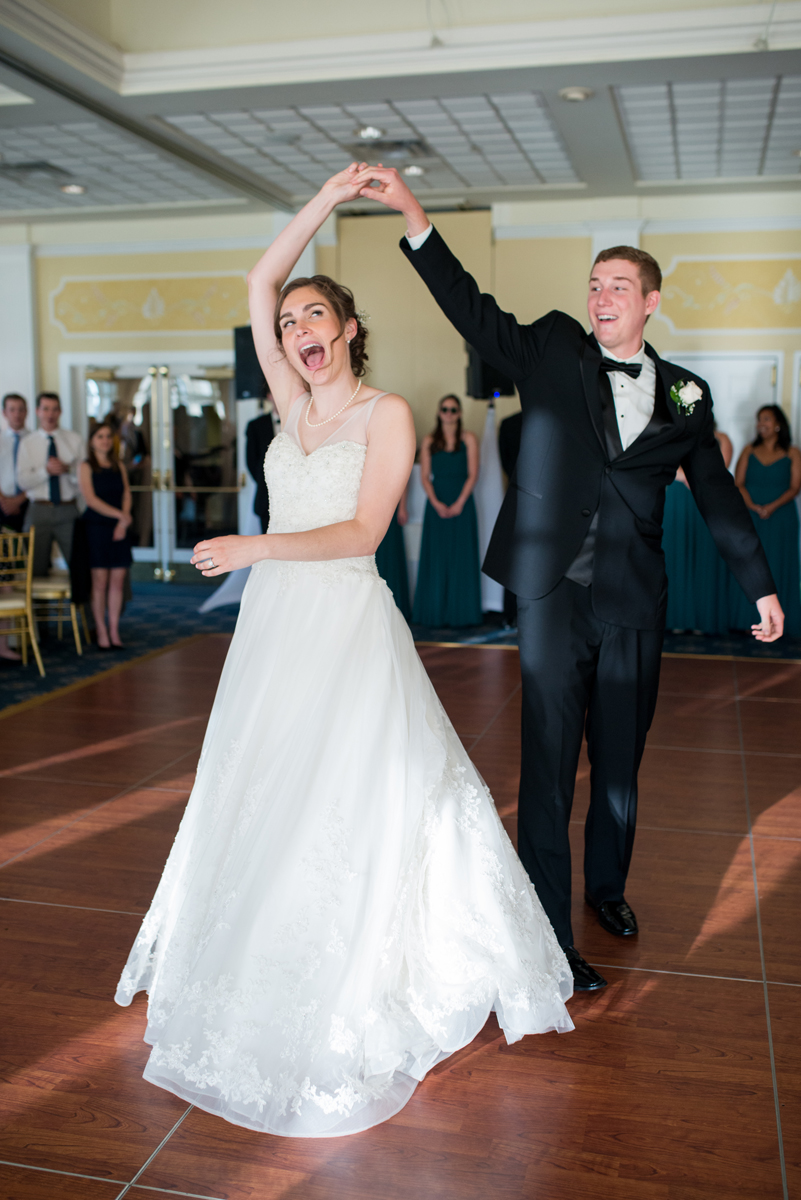 Emerald Green Classic Country Club Wedding | Bride and Groom First Dance