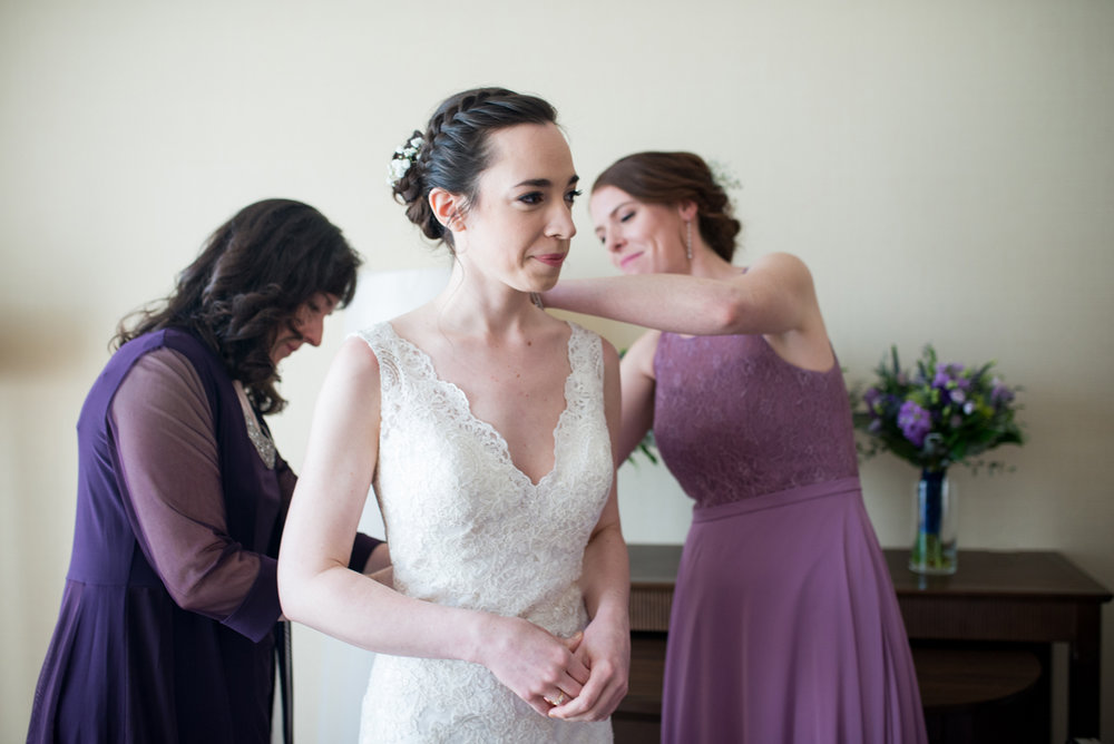 Lavender and Green Country Club Wedding | Bride Getting Ready