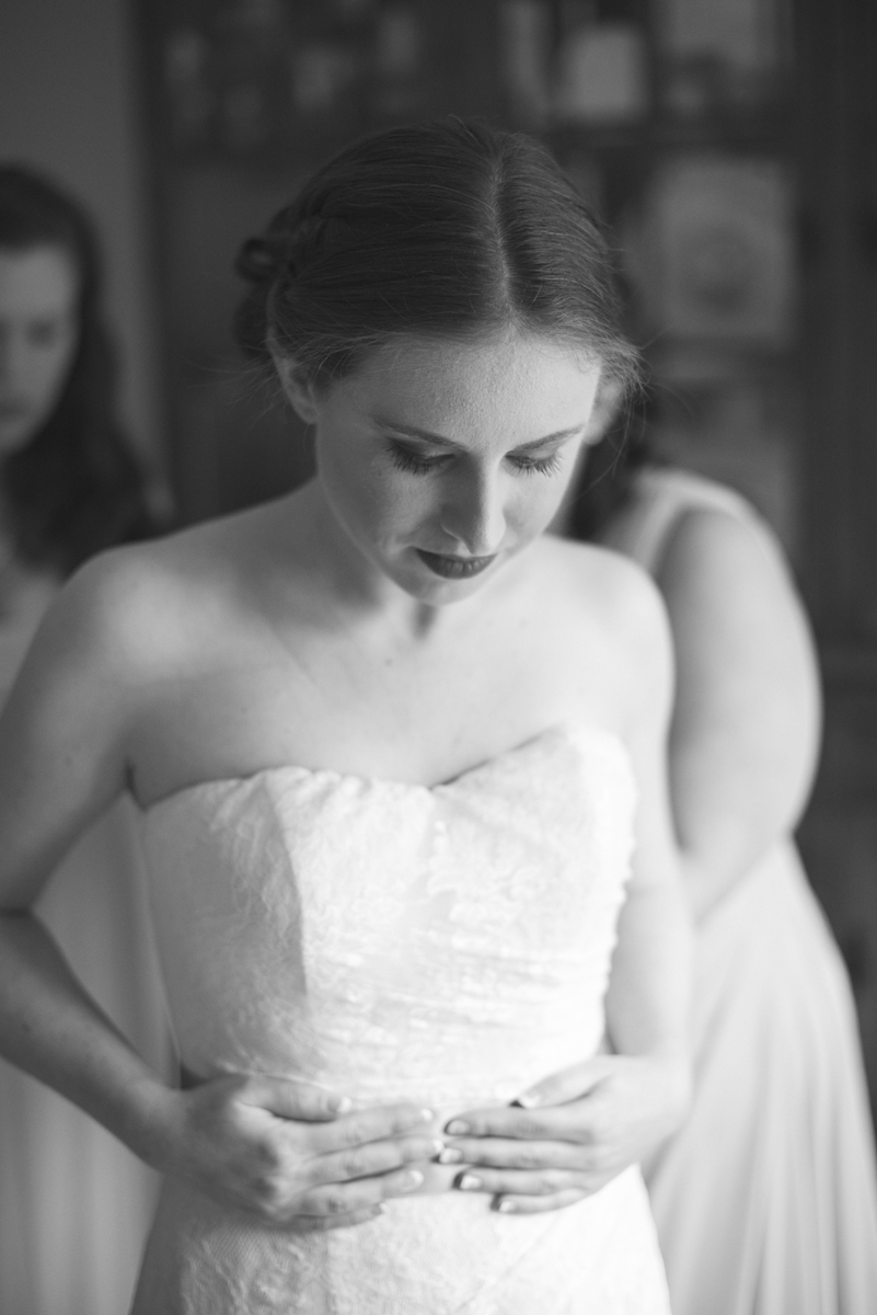 Blush and White Summer Virginia Wedding | Bride Getting Ready