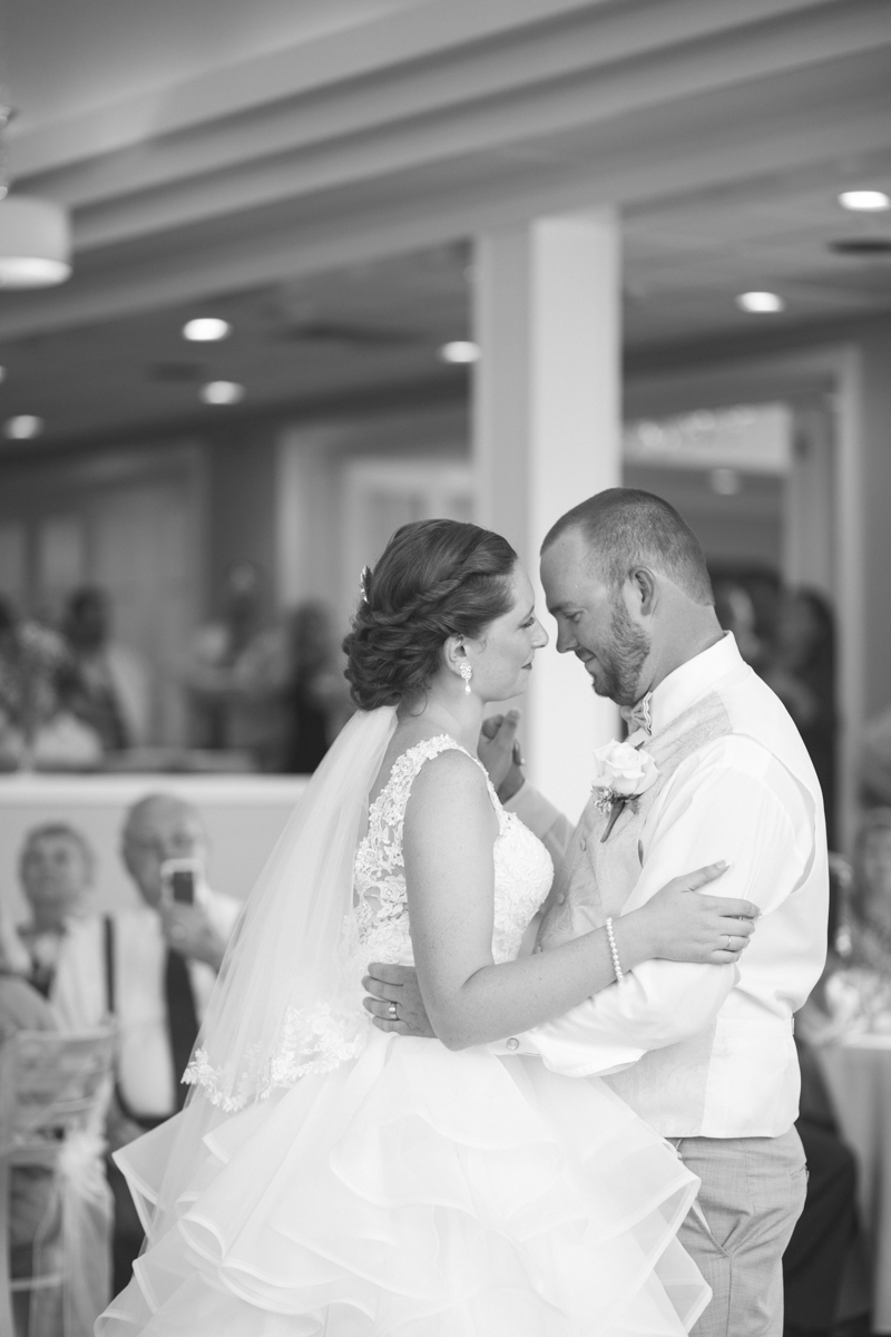 Lavender and Pale Green Virginia Beach Wedding | Bride and Groom First Dance
