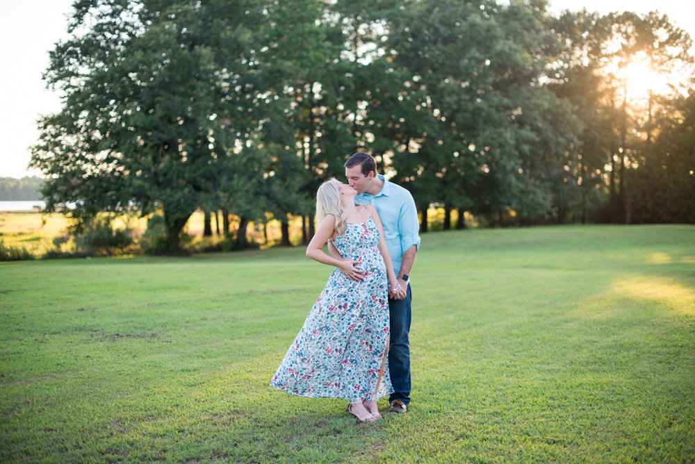 Glowy Summer Maternity Session