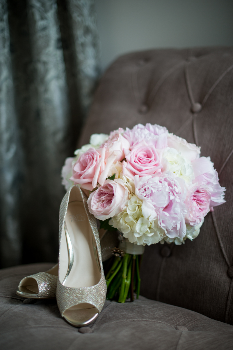 Elegant Navy and Blush Estate Wedding | Navy and White Peony Bouquet with Gold Shoes