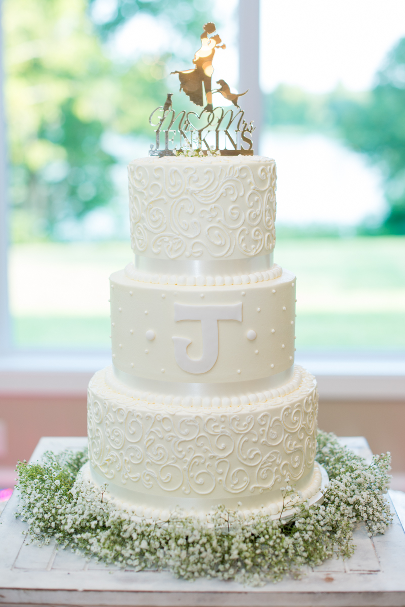 Elegant Navy and Blush Estate Wedding | Regal White and Gold Wedding Cake