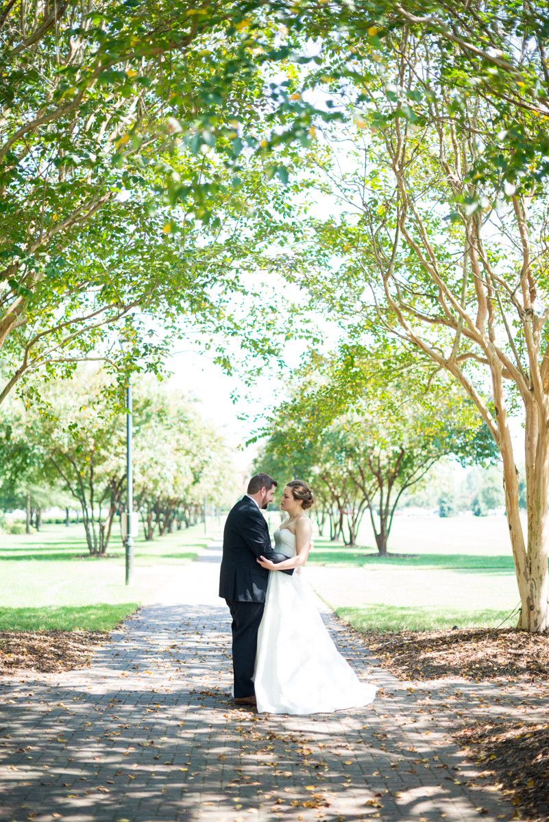 Sparkly Gold and White Fall Wedding | Bride + Groom Portraits