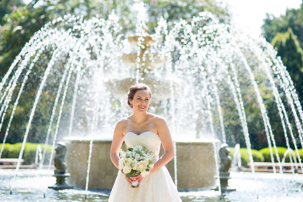 Sparkly Gold and White Fall Wedding | Bridal Portraits