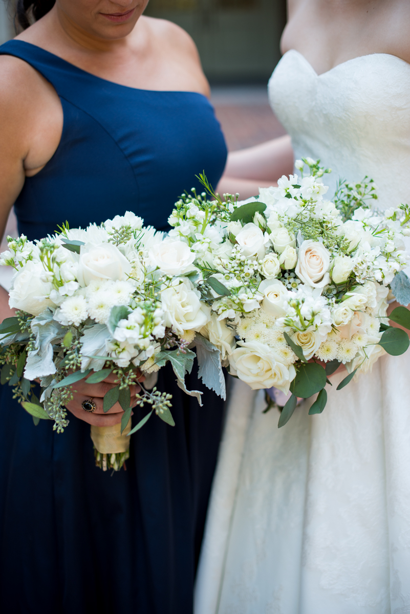Sparkly Gold and White Fall Wedding | White Bridal Party Bouquets