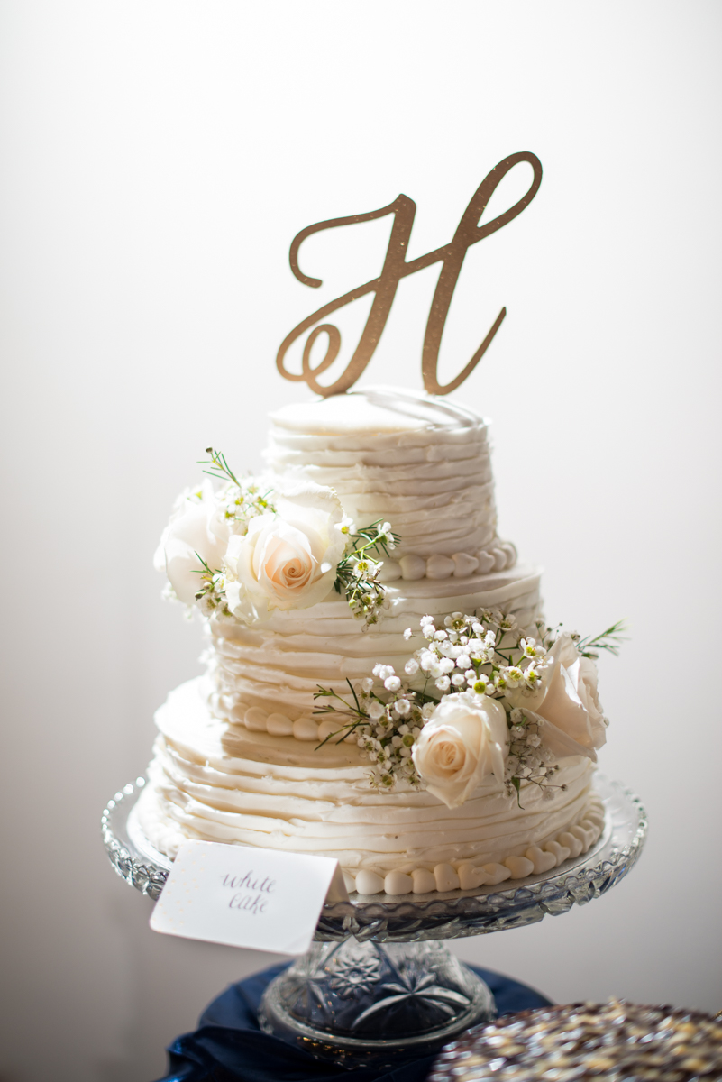 Sparkly Gold and White Fall Wedding | All White Wedding Cake