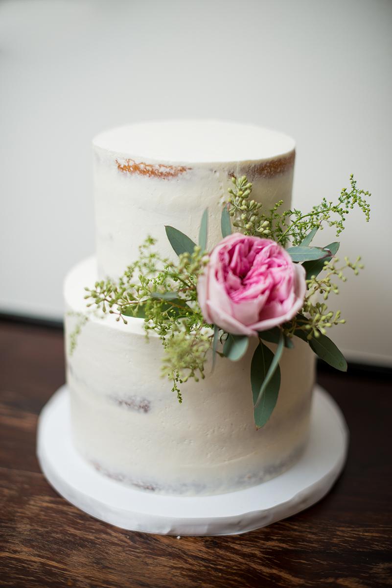 Burgundy Winery Wedding | Naked Wedding Cake