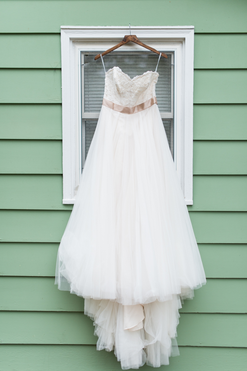 Marsala and White Wedding | Tulle Wedding Dress