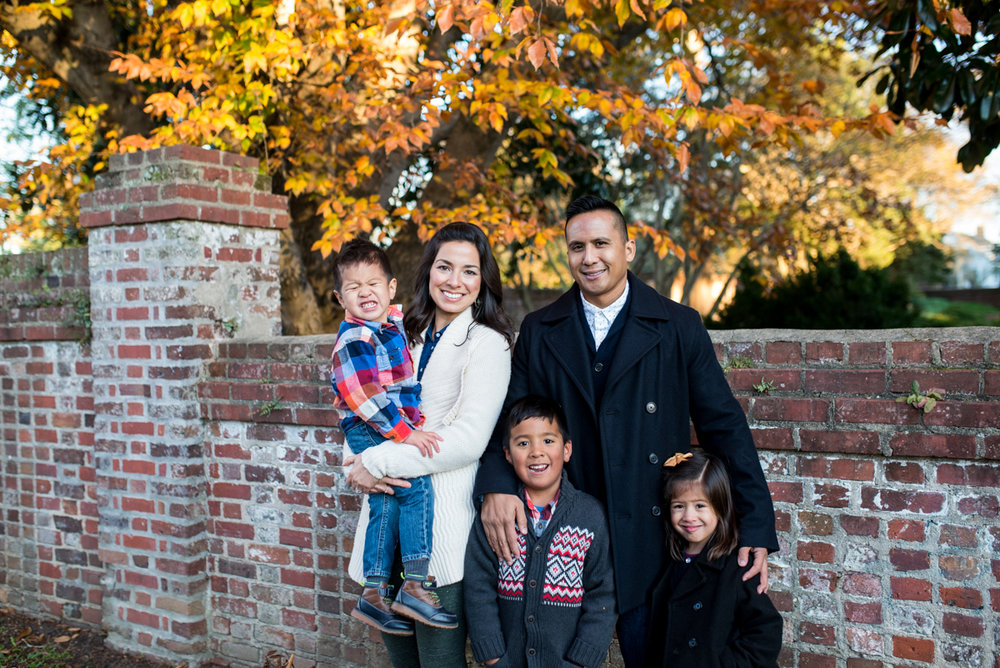 Downtown Yorktown Fall Family Pictures