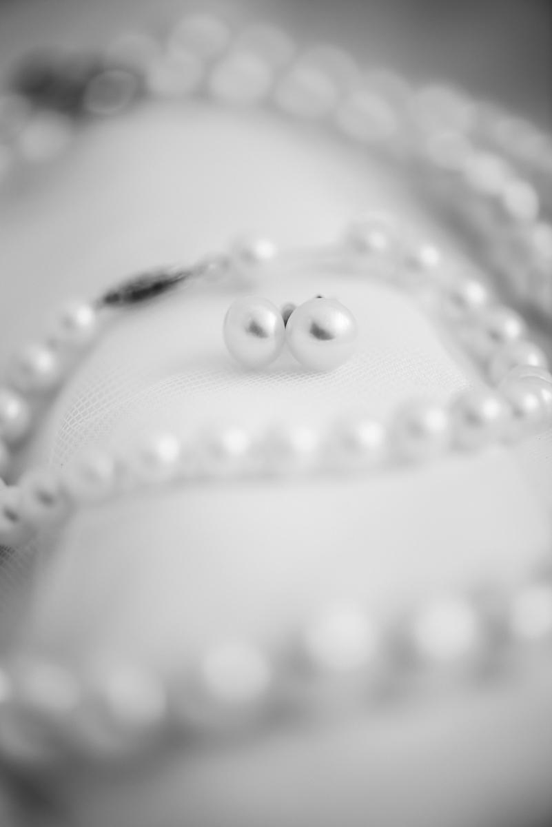 Yellow, Navy, and White Summer Wedding | Wedding Pearls