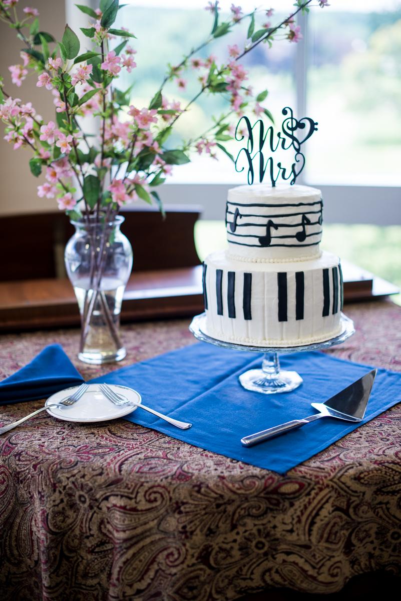 Yellow, Navy, and White Summer Wedding | Piano Wedding Cake