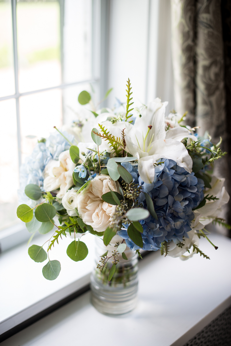 Navy and White Summer Wedding | Navy, White, and Blush Wedding Bouquet