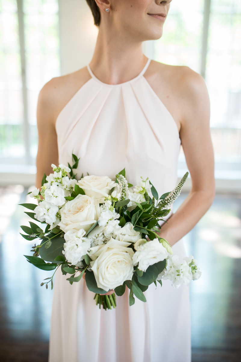 Minimalist White and Green Summer Wedding | White and Green Bridesmaid Bouquet