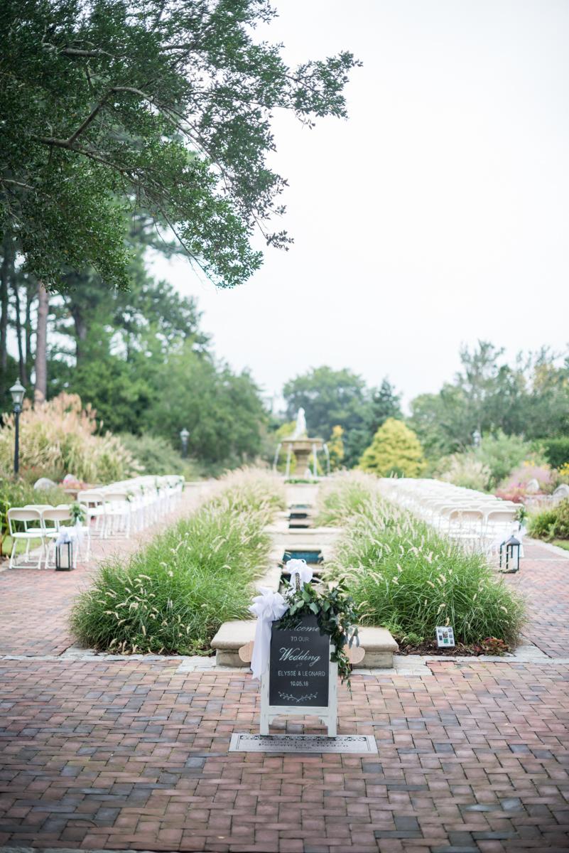 Blush and Burgundy Garden Wedding | Outdoor garden wedding ceremony