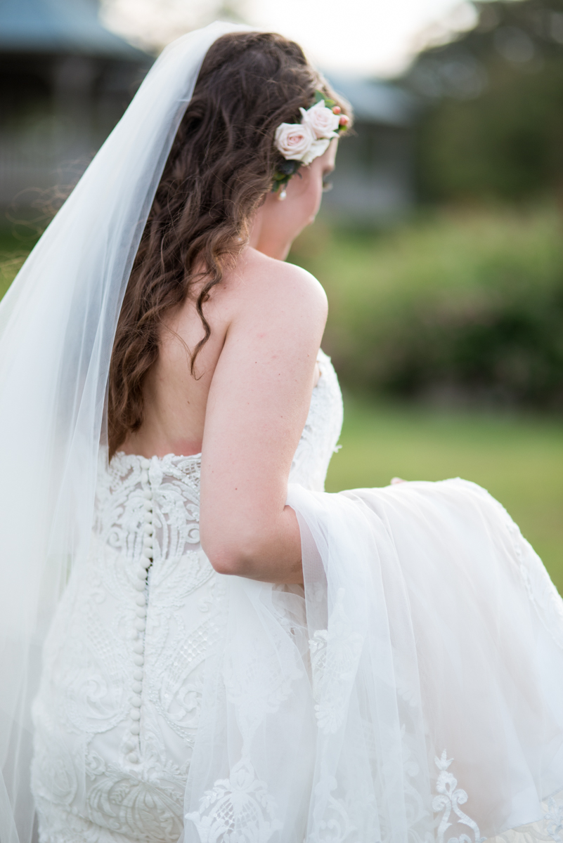 Glowy Spring Bridal Portraits with Flower Comb