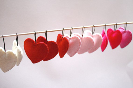 Etsy-Picks-Valentines-Day-Party-Love-Felt-heart-ornaments-The-Honey-Pie-Tree.jpg