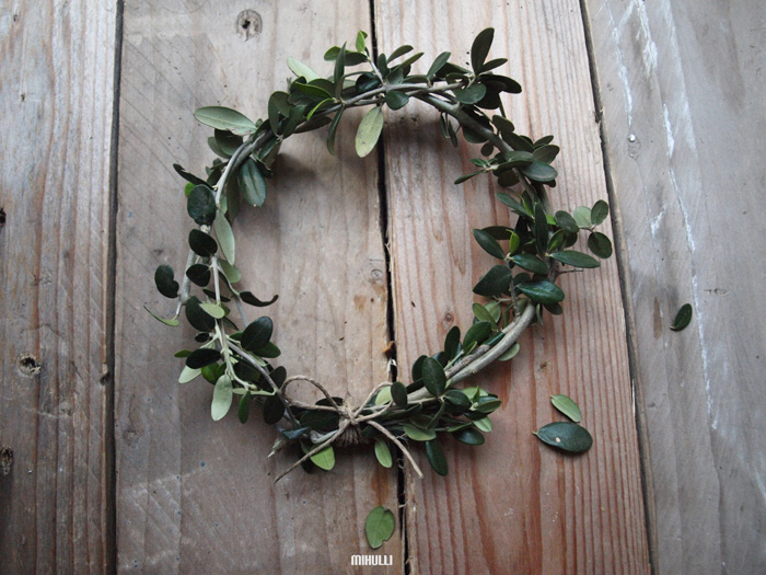 simple home decor wreath christmas decor.jpg