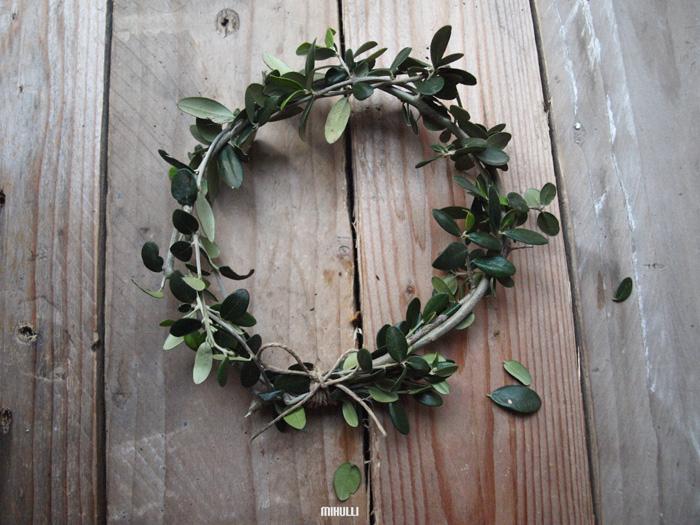 simple home decor wreath christmas decor.jpg
