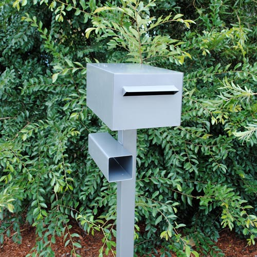 Box Dimensions: H150mm x W200mm x D330mm   Height with Post: 1400mm