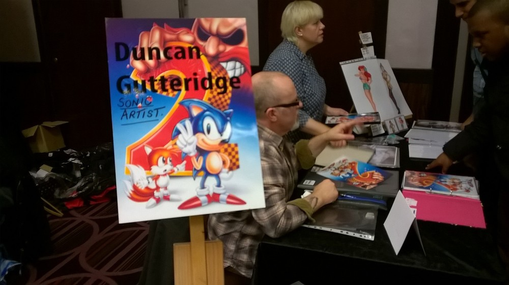 Sonic 2 Cover artist, Duncan Gutteridge, was signing prints of his iconic work