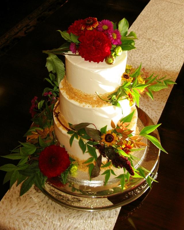 Cham Wedding Cake2.JPG