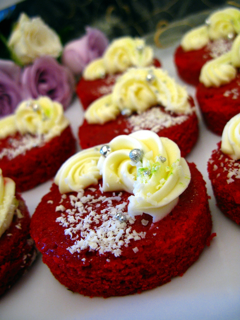 Red Velvet non-cupcake.JPG