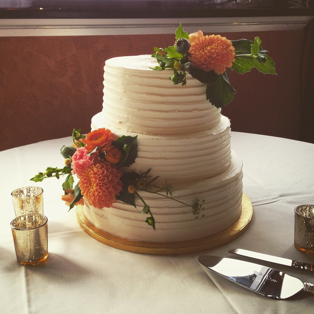 Rustic Finish Wedding Cake