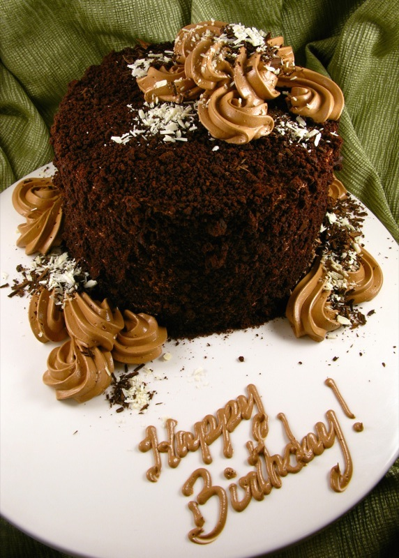 Old-fashioned chocolate cake (devil's food cake with ganache; chocolate buttercream)