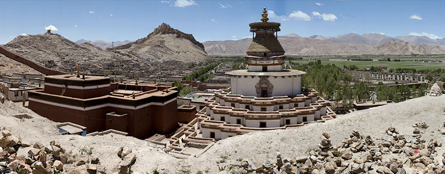 View of the Kimbum and the Dzong fortress, Gyantse VIEW FULLSCREEN